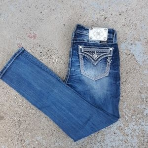 Miss me signature skinny Jean's.  Size 28